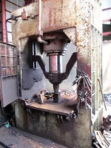 故銑割り機